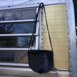 Black Leather Cross-Body Vintage Classic